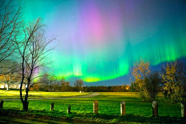 northern-lights-aurora-borealis-saskatchewan-stock-01