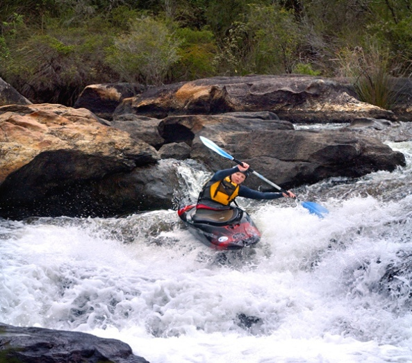 collie-river-rapids-kayaking- 1