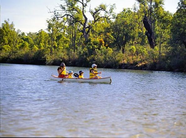 Minninup Pool canoeing