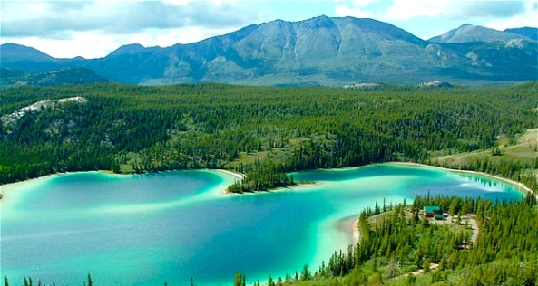 Emerald Lake, Yukon