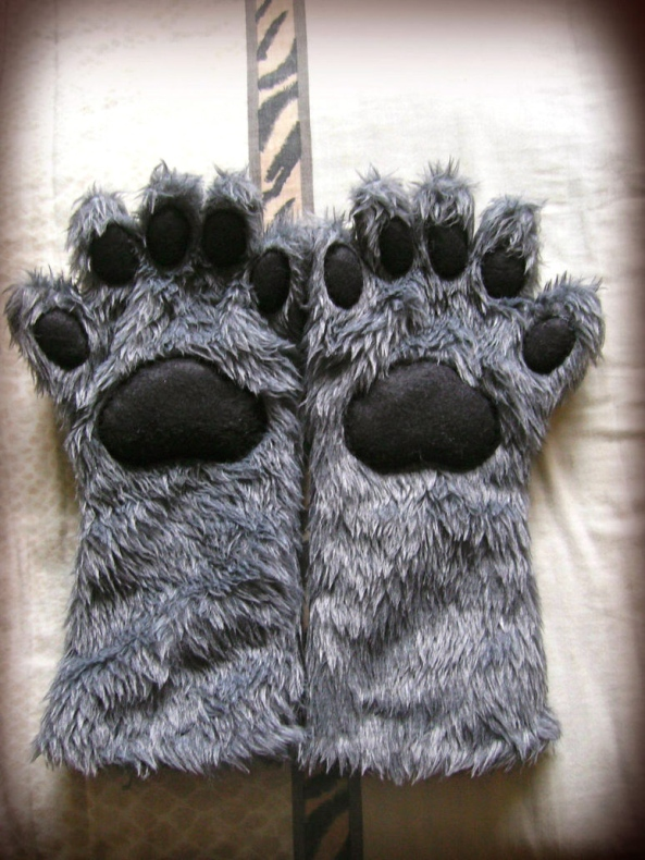 Finally - Faux Paws (fashionedbylindell)